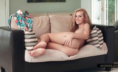 Close-up with Jessie Rogers hot pussy