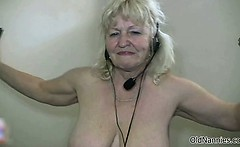 Nasty mature slut get horny dancing