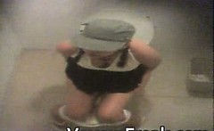 3 Girls caught ing free voyeur video